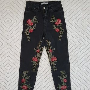 Topshop MOTO Rose Embroidered Mom Jeans